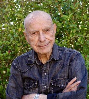 EP 121 - Out of My Mind (Not Quite a Memoir): A Conversation With Alan Arkin