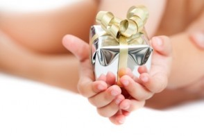 Teaching Your Children the Importance of Giving During the Holidays