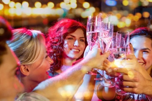 5 Ways to Avoid Overdrinking During the Holidays