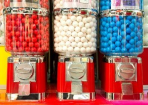 Chewing Gum Linked to Health Concerns