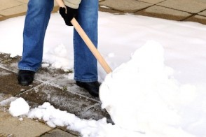 Proper Snow Shoveling Techniques to Keep Your Back Healthy