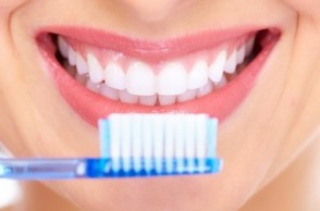 Why Consistent Brushing & Mouthwash Is SO Important