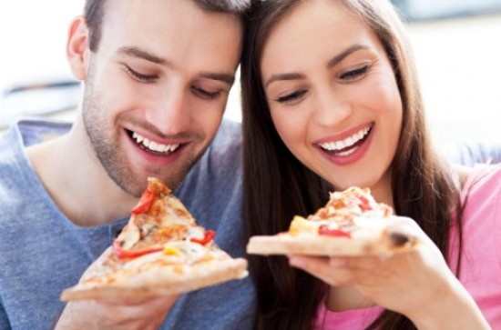 Battle of the Sexes: How Foods Affect Women & Men Differently