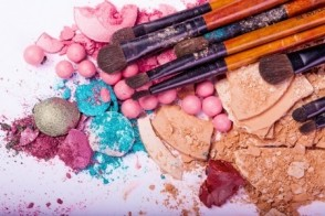 Better Beauty: Why Your Makeup May Be Messing with Your Diet